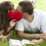 勇気を出して!女性から可愛くキスをする5つの方法